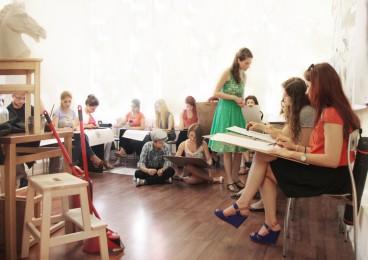 arkhe sanat-kurs fotoğrafları-model ile öğrenciler-4