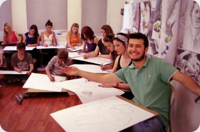arkhe sanat-kurs fotoğrafları-model ile öğrenciler-3