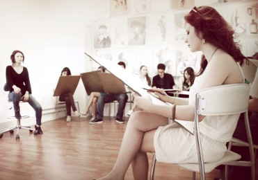 arkhe sanat-kurs fotoğrafları-model ile öğrenciler-7
